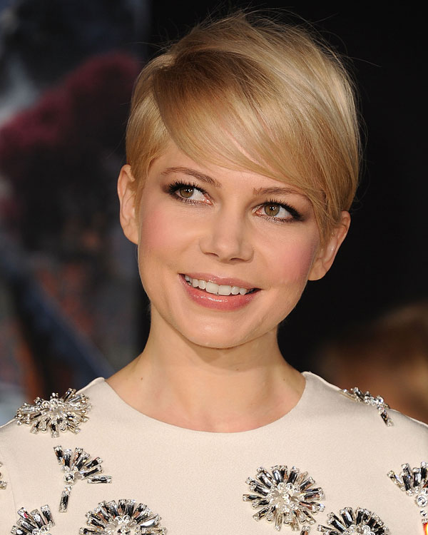 50 Trendy Inverted Bob Haircuts for Women in 2021 - Page 8