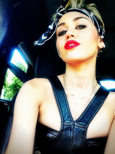 Miley Syrus Bandana/Instagram