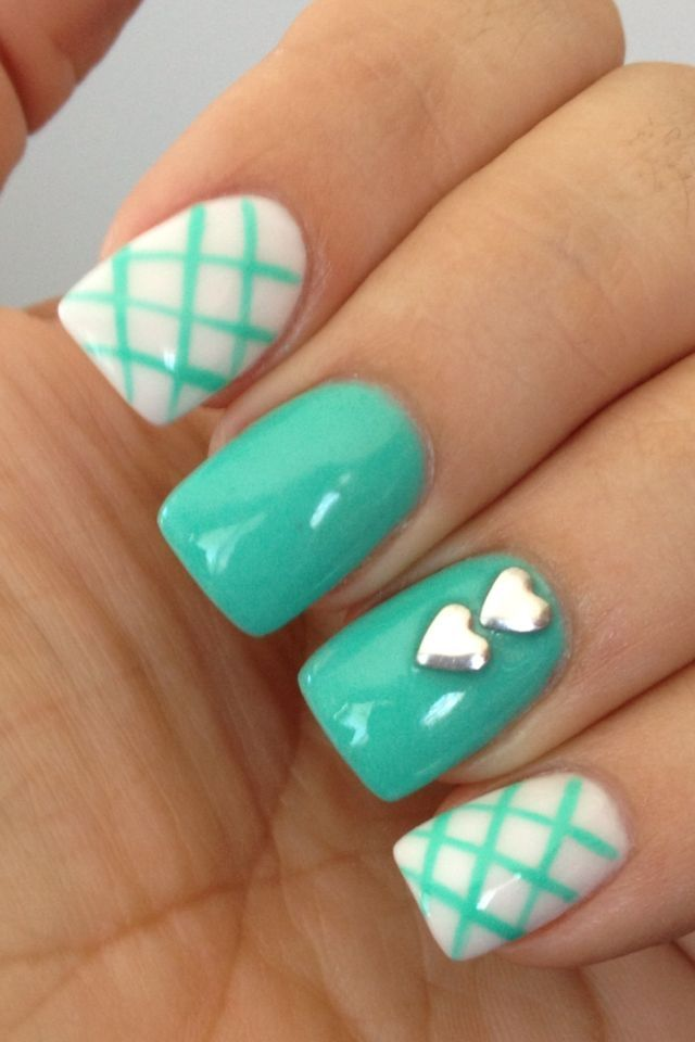 20 classic nail designs youll want to try now pretty designs mint patterned nail design idea prinsesfo Gallery