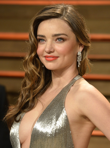Miranda Kerr Side-swept Hairstyle