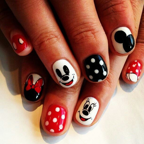 Pretty Mickey Nails