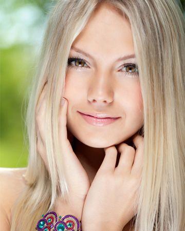 Pretty Natural Makeup Idea for Summer