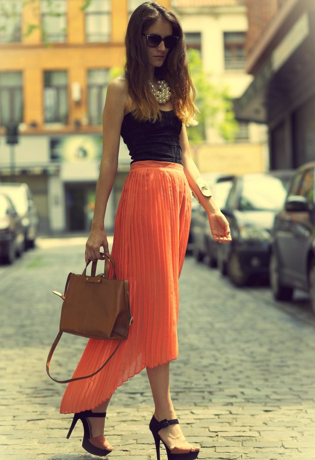 Pretty Orange Maxi Dress Outfit Idea