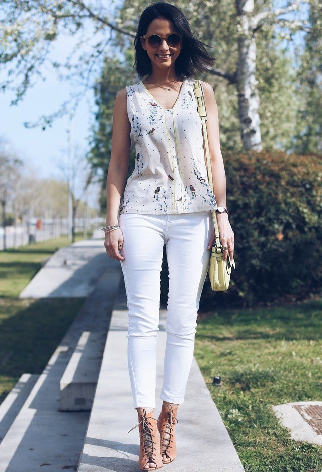 Pretty White Jeans Outfit Idea
