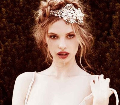 Romantic Hairstyle with Beautiful Headband