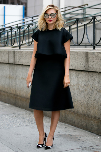The Pretty Black Dress You Must Have for the Season - Pretty Designs