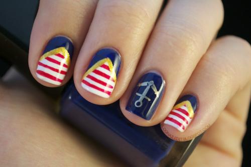 Stylish Nautical Nails