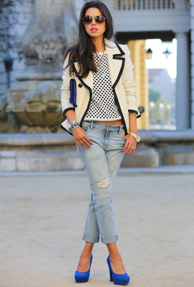 Stylish Outfit Idea with Colored Pumps