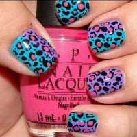 Two-Colored Animal Print Nail Art Design