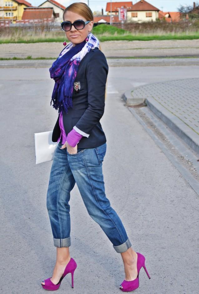 Violet Pumps Outfit Idea
