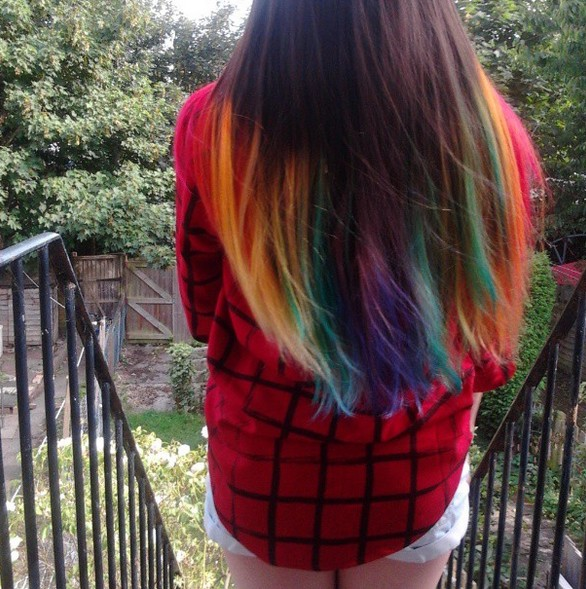 30+ Ways To Add Funky Colors To Your Hair