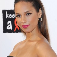 ALICIA KEYS' SLICKED BACK STYLE