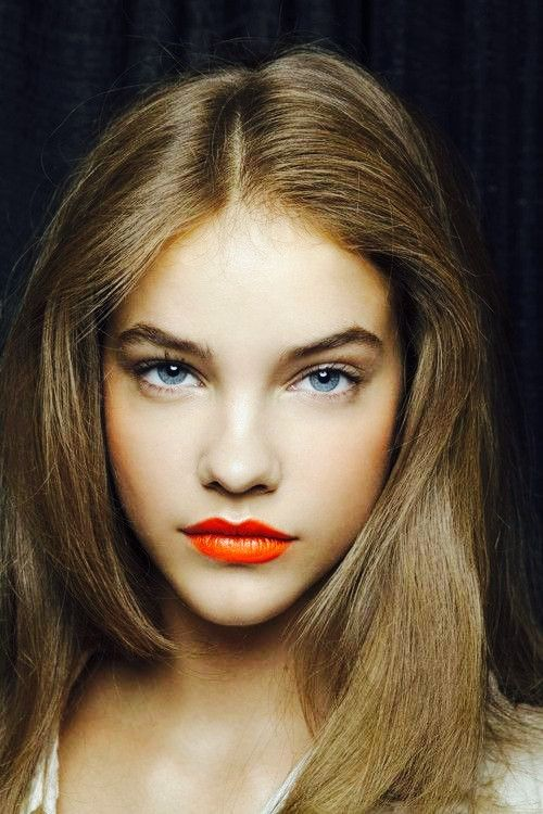 Barbara Palvin Orange Lips