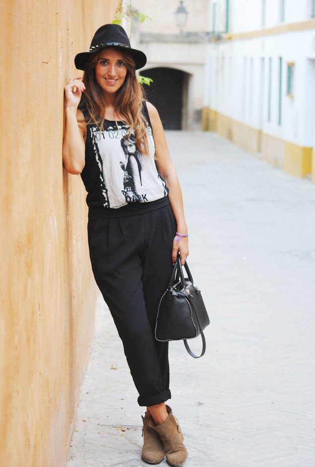 Black Baggy Pants Outfit Idea