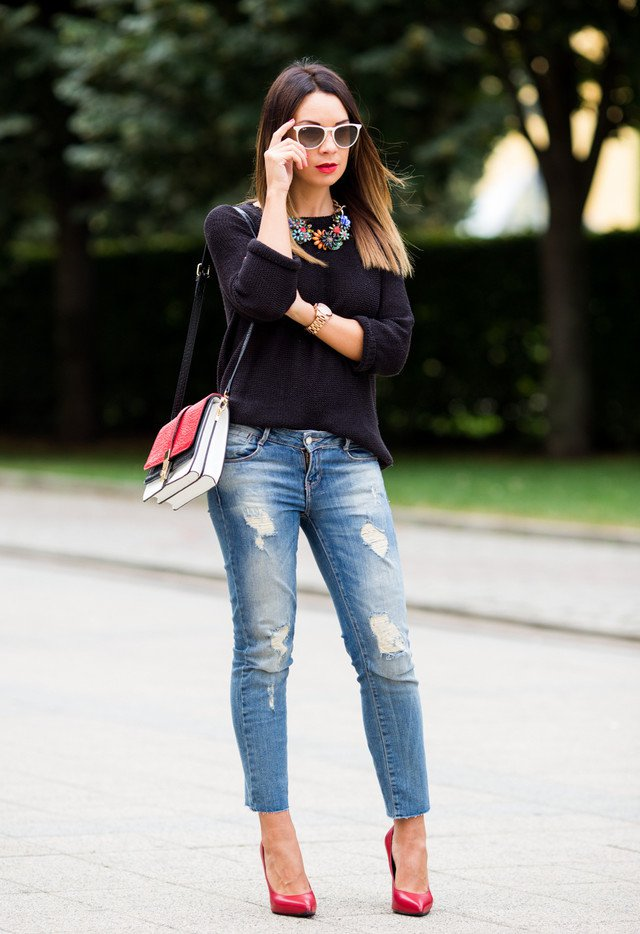 Black Sweater Outfit Idea with Ripped Jeans