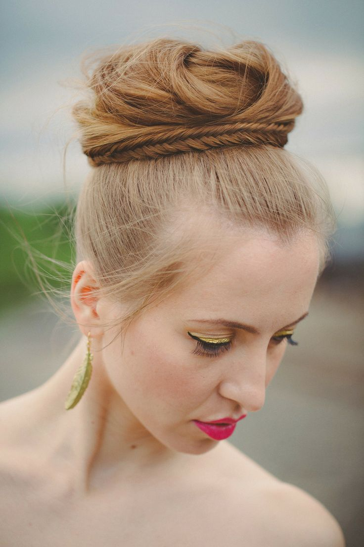 12 Romantic Buns You Must Have for Summer - Pretty Designs