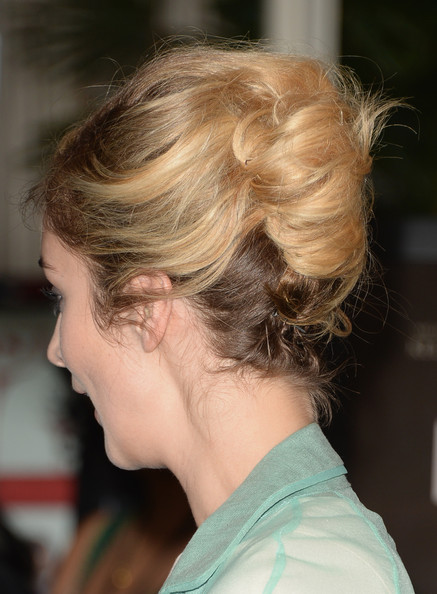Caitlin Fitzgerald French Twist/Getty Images