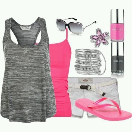 Casual-chi Outfit with Pink Tops and Slippers
