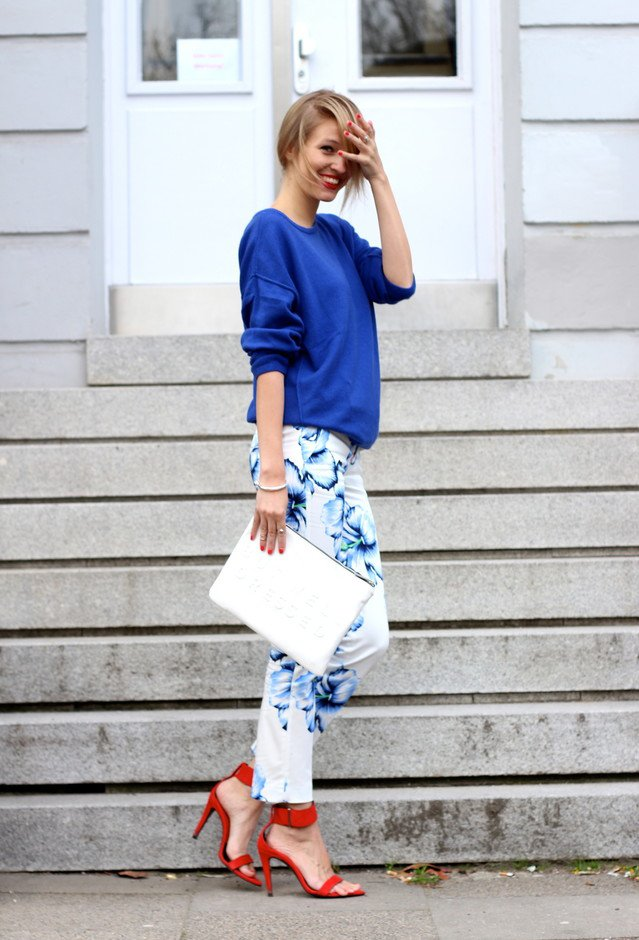 Chic Blue Sweater and Floral Jeans