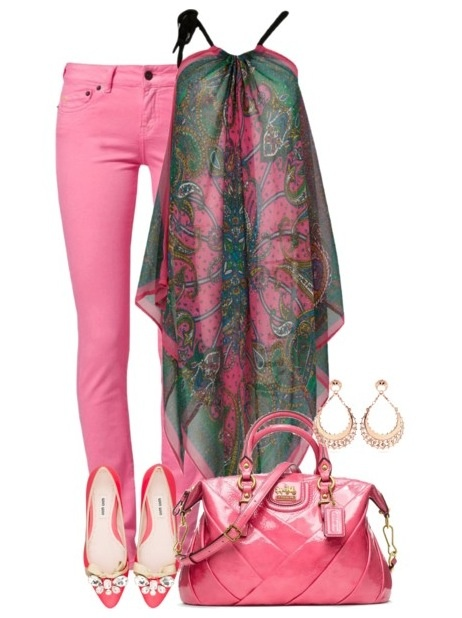 Chic Pink Outfit Idea for Women