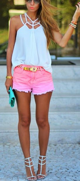 Cool Summer Outfit Idea with Pink Shorts