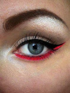 Coral Eyeliner for Underlid