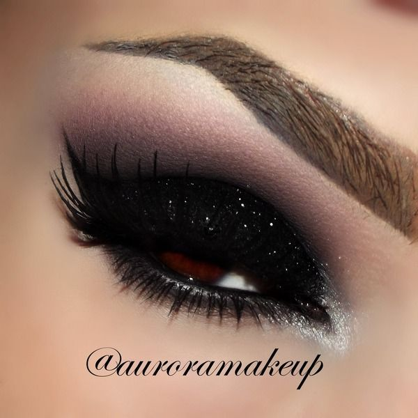 14 Amazing Glittery Eye Makeup Looks - Pretty Designs