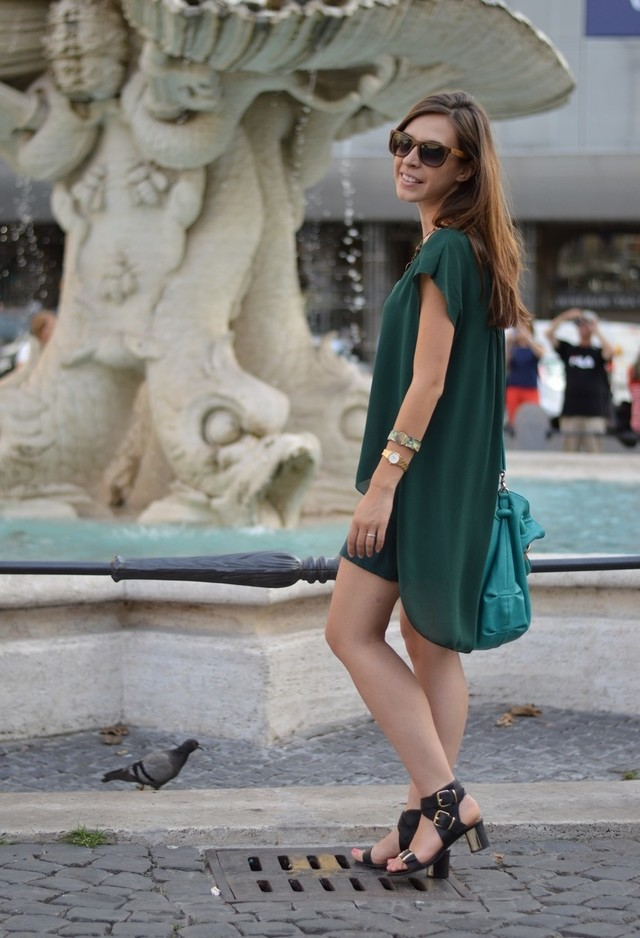 Dark Green Dress for a Casual Look