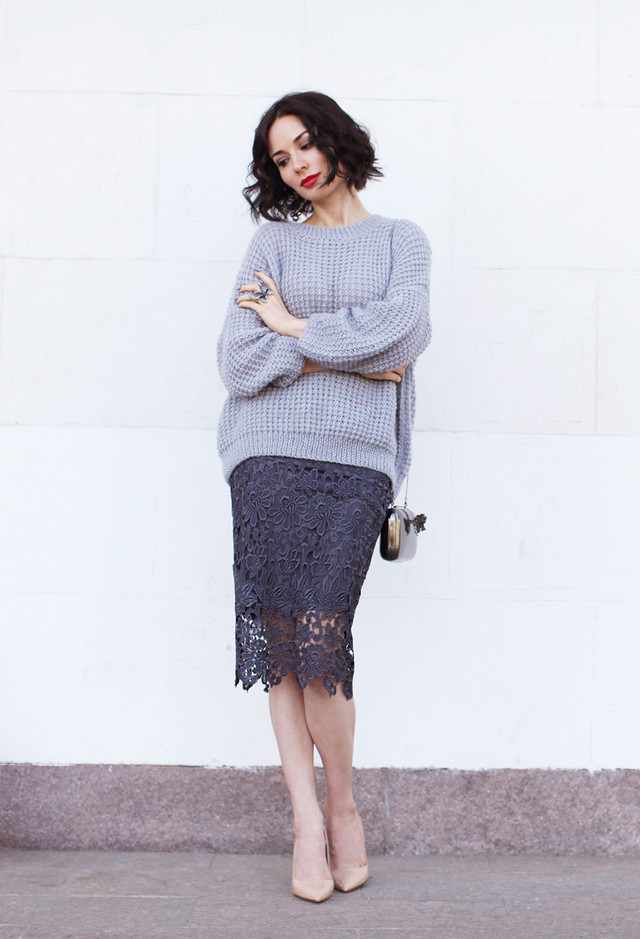 Fashionable Outfit Idea with Grey Lace Skirt