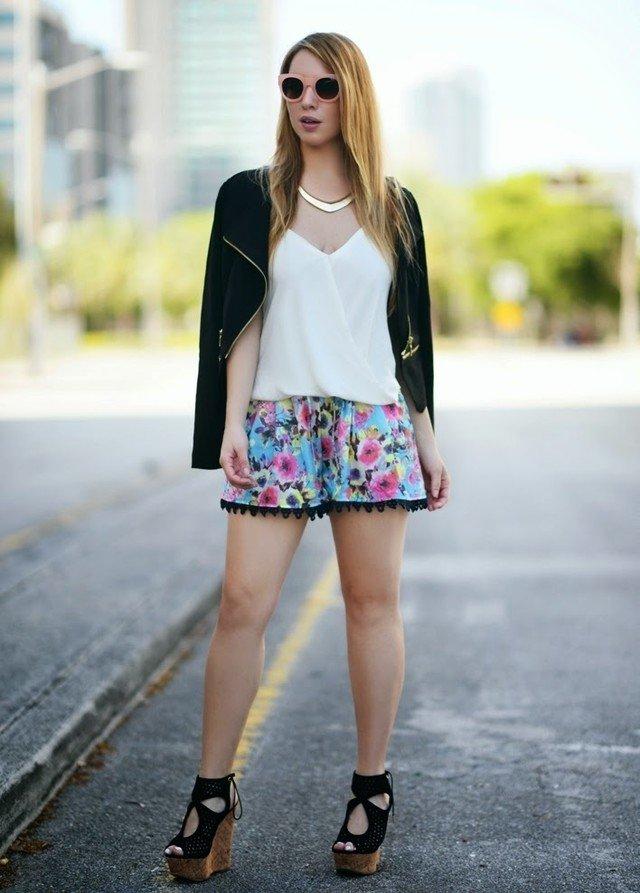 ازياء بنات رائعة Floral-Shorts-Outfit