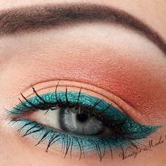 Glittery Green Eyeliner