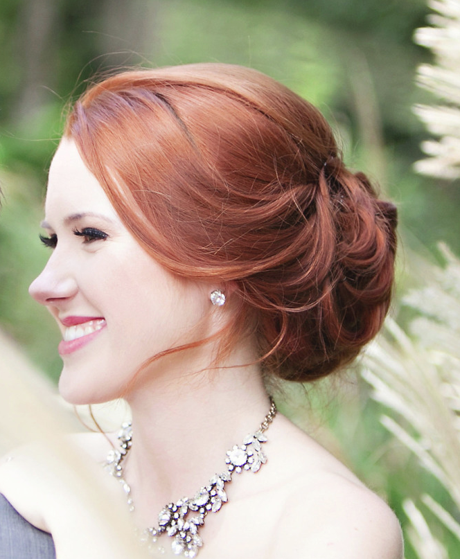 Pretty Hairstyles For A Wedding: 15 Classy Bridal Hairstyles You Should Try