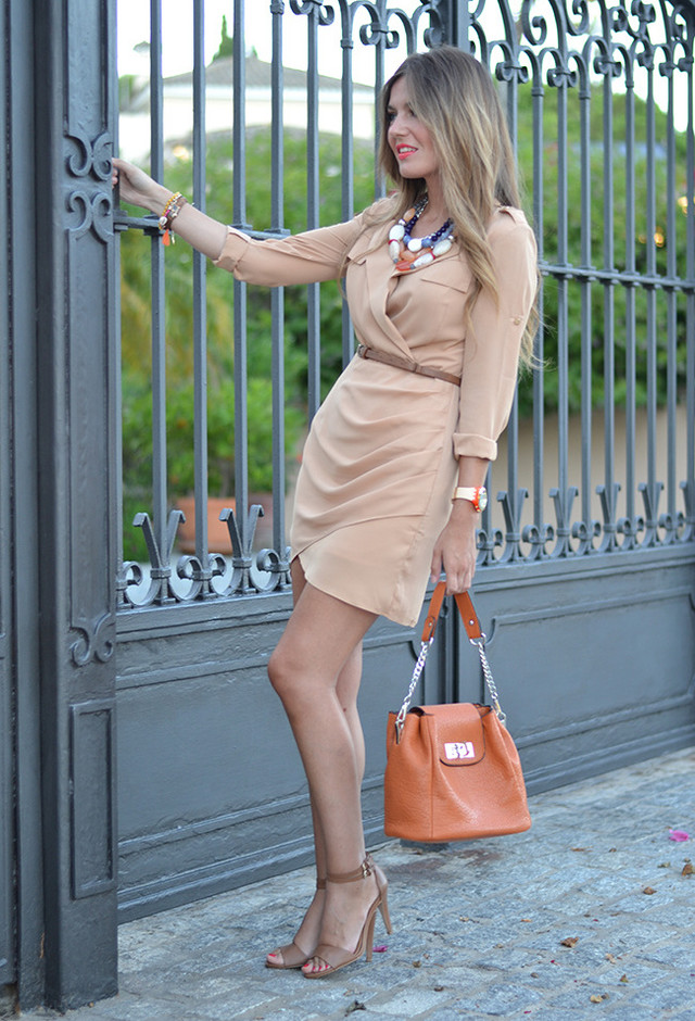 Graceful Dress Outfit Idea for Date