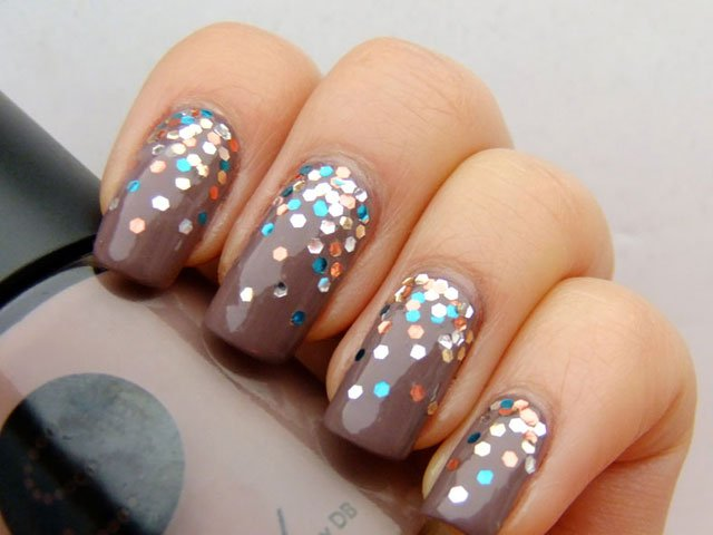 Grey Glitter Nails