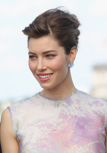 Jessica Biel French Twist/Getty Images