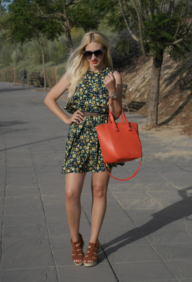 Lovely Floral Printed Dress Outfit