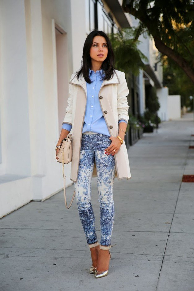 Pastel Outfit Idea with Printed Jeans