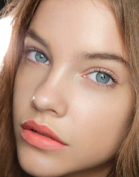 Peach Lips on Dewy Skin