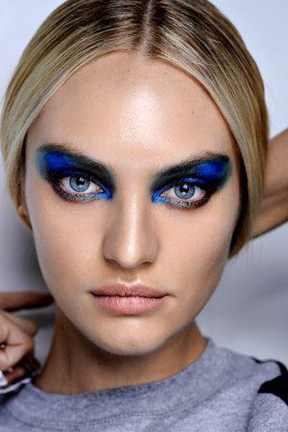 Peacock Inspired Smokey Eye Makeup Look