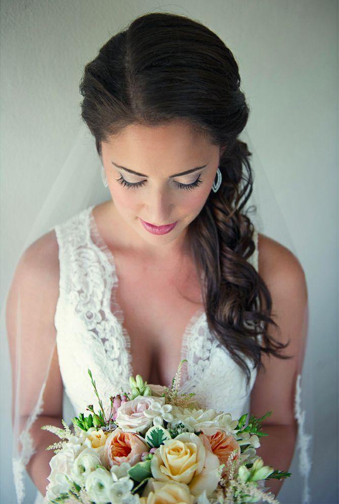 15 Romantic Bridal Hairstyles for the Season - Pretty Designs