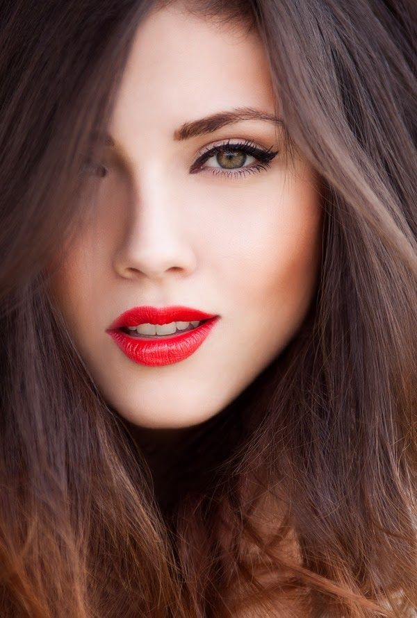 Red Lips With Subtle Cat Eyes