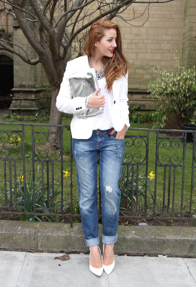 Ripped Jeans Outfit Idea with White Tops
