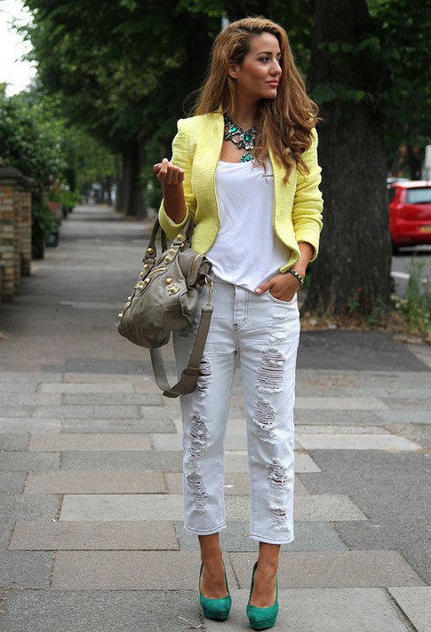 Ripped Jeans Outfit Idea with Yellow Blazer