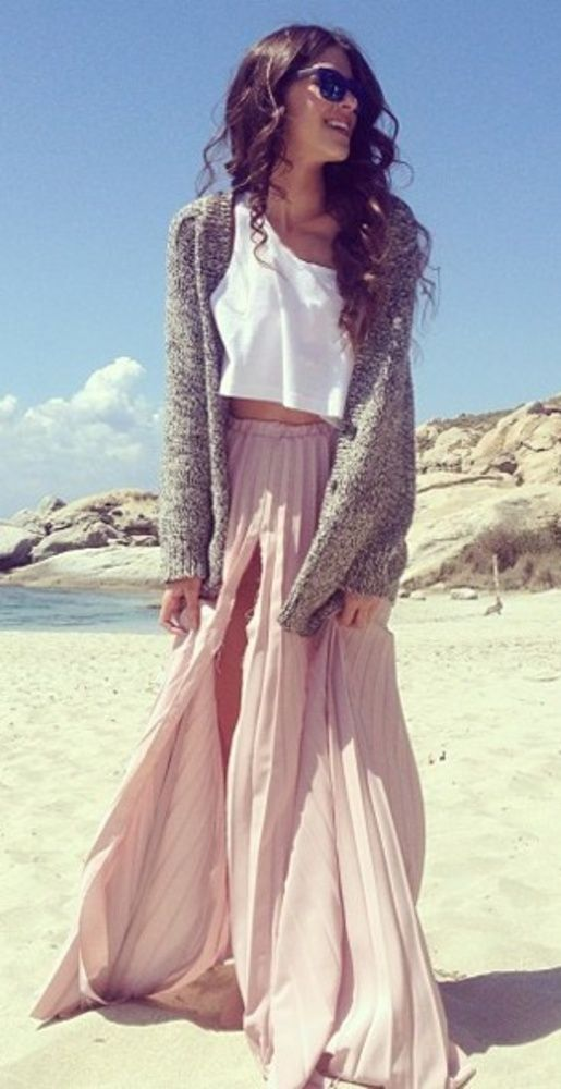 Ripped Pink Outfit Idea for Summer