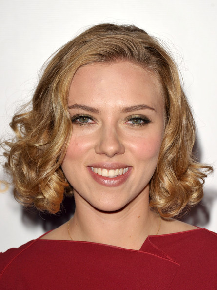Scarlett Johansson Short Curls