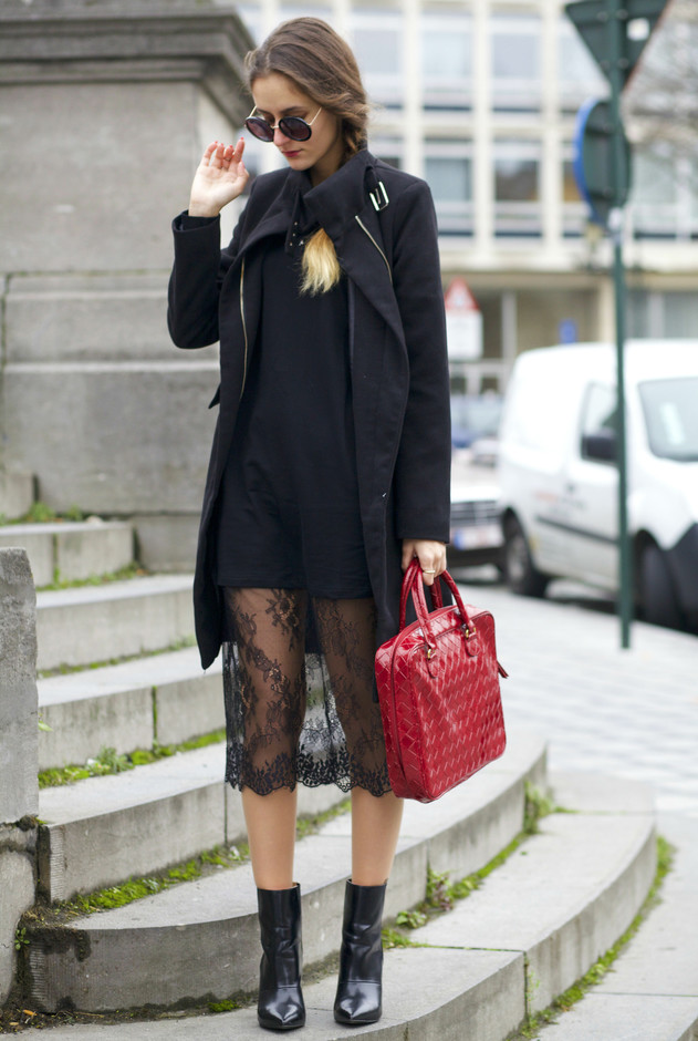 Sexy Black Lace Skirt Outfit Idea for Fall