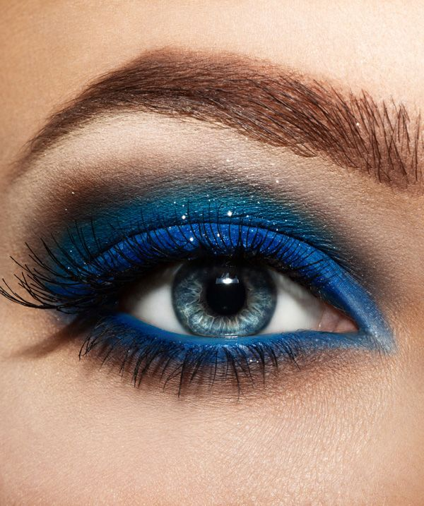 12 chic blue eye makeup looks and tutorials pretty designs for How to get makeup out of white shirt