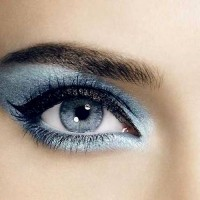 Silvery Blue Makeup Idea
