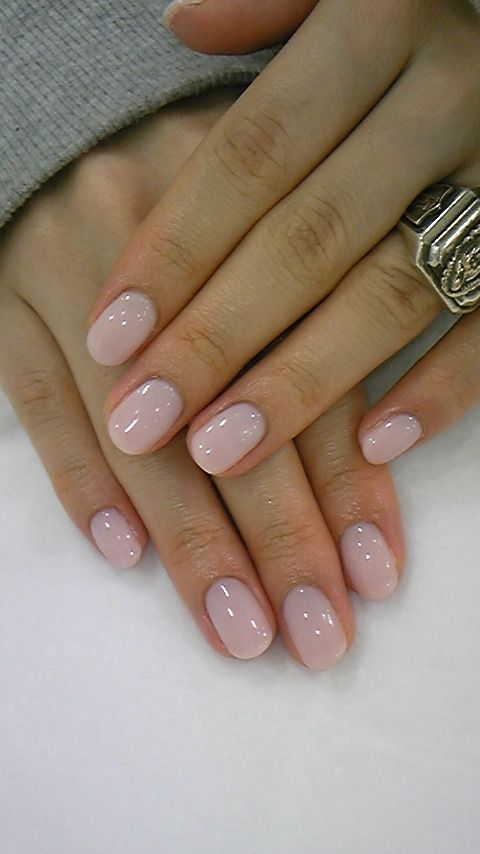 nude pink short nails