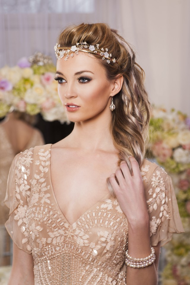 Simple and Stylish Bridal Head Piece